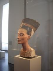 Statue von Nofretete, Große Königliche Gemahlin von Akhenaten - 18. Dynastie
