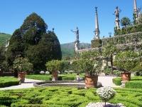 La piramide a terrazze nei giardini dell�Isola Bella
