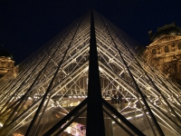 Louvre Pyramide (Symmetrie)