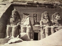 Abu Simbel der grosse Tempel fuer Ramses II