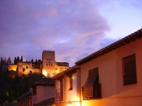 Alhambra_at_night_from_Albaicin_GM