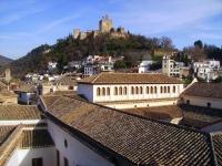 Alhambra_from_calle_de_la_Carcel_Baja
