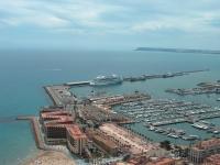Alicante mit AIDAaura