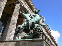 Albert Wolff: Löwenkämpfer, Statue am Alten Museum, Berlin