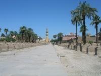 Avenue_towards_Karnak