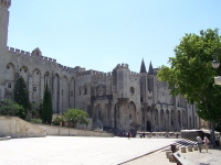 Avignon_Papstpalast_-2-_13.06.2007