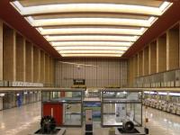 Berlin,_Flughafen_Tempelhof,_Abfertigungshalle_01