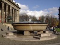 Berlin_Lustgarten_Granitschale_001