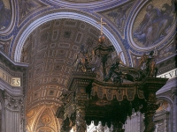 Papstaltar im Petersdom (Baldachino von Gian Lorenzo Bernini)