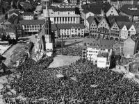 Bundesarchiv_B_145_Bild-F003822-0008,_Frankfurt-Main,_Evangelischer_Kirchentag