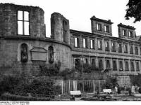 Bundesarchiv_B_145_Bild-F003838-0009,_Heidelberg,_Schloss