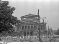 Bundesarchiv_B_145_Bild-F005758-0016A,_Frankfurt-Main,_Oper