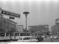 Bundesarchiv_B_145_Bild-F005758-0031A,_Frankfurt-Main,_An_der_Hauptwache