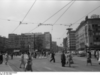 Bundesarchiv_B_145_Bild-F005759-0004,_Frankfurt-Main,_An_der_Hauptwache