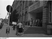 Bundesarchiv_B_145_Bild-F005759-0017,_Frankfurt-Main,_Universität