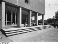 Bundesarchiv_B_145_Bild-F006598-0001,_Frankfurt-Main,_Studentenwohnheim