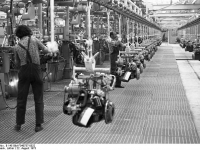 Bundesarchiv_B_145_Bild-F040737-0022,_Salzgitter,_VW_Autowerk
