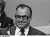 Bundesarchiv_B_145_Bild-F041436-0027,_Hamburg,_CDU-Bundesparteitag,_Helmut_Kohl