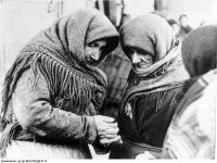 Bundesarchiv_B_145_Bild-F051638-0714,_Polen,_Ghetto_Lublin,_alte_Frauen