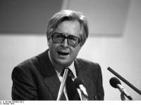 Bundesarchiv_B_145_Bild-F054627-0012,_Ludwigshafen,_CDU-Bundesparteitag,_Vogel