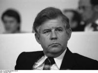 Bundesarchiv_B_145_Bild-F054631-0016,_Ludwigshafen,_CDU-Bundesparteitag,_Biedenkopf