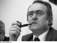 Bundesarchiv_B_145_Bild-F055060-0011A,_Köln,_SPD-Parteitag,_Johannes_Rau