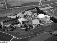 Bundesarchiv_B_145_Bild-F056652-0021,_Kernkraftwerk_Obrigheim_(KWO)
