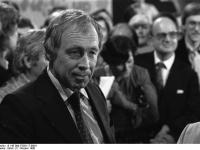 Bundesarchiv_B_145_Bild-F059117-0004,_Bonn,_CDU-Bundestagswahlparty,_Heiner_Geißler