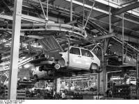 Bundesarchiv_B_145_Bild-F060157-0023,_Wolfsburg,_VW_Autowerk