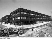 Bundesarchiv_B_145_Bild-F062200-0026,_Bonn,_Bundeskanzleramt