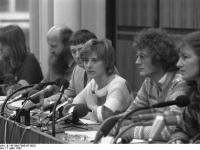 Bundesarchiv_B_145_Bild-F065187-0032,_Bonn,_Pressekonferenz_der_Grünen,_Bundestagswahl