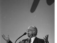 Bundesarchiv_B_145_Bild-F073606-0005,_Mainz,_CDU-Bundesparteitag,_Blüm