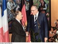 Bundesarchiv_B_145_Bild-F076604-0021,_Frankreich,_Staatsbesuch_Bundeskanzler_Kohl