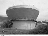 Bundesarchiv_B_145_Bild-F078970-0026,_Frankfurt-Main,_Hoechst_AG