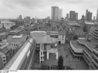 Bundesarchiv_B_145_Bild-F078972-0001,_Frankfurt-Main,_Blick_vom_Dom