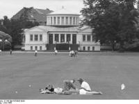 Bundesarchiv_B_145_Bild-F079055-0026,_Bonn,_Akademisches_Kunstmuseum
