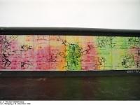 Bundesarchiv_B_145_Bild-F086696-0025_Berlin_bemalte_Reste_der_Berliner_Mauer