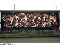 Bundesarchiv_B_145_Bild-F086696-0028_Berlin_bemalte_Reste_der_Berliner_Mauer