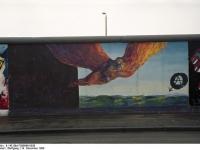 Bundesarchiv_B_145_Bild-F086696-0030_Berlin_bemalte_Reste_der_Berliner_Mauer