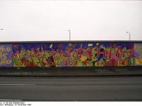 Bundesarchiv_B_145_Bild-F086696-0033_Berlin_bemalte_Reste_der_Berliner_Mauer