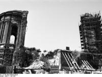 Bundesarchiv_B_145_Bild-F088675-0029,_Dresden,_Ruine_der_Frauenkirche