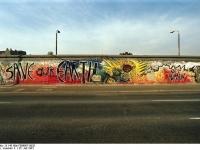 Bundesarchiv_B_145_Bild-F088807-0020_Berlin_East_Side_Gallery