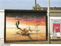 Bundesarchiv_B_145_Bild-F088809-0036_Berlin_East_Side_Gallery