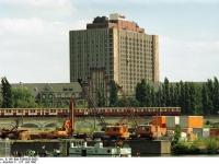 Bundesarchiv_B_145_Bild-F088836-0005,_Berlin-Mitte,_Hauptgebäude_der_Charitè