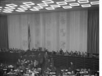 Bundesarchiv_B_145_Bild-F091457-0005,_Bundestag,_Plenarsaal_während_Sitzung