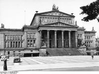 Bundesarchiv_B_145_Bild-P016019,_Berlin,_Schauspielhaus_am_Gendarmenmarkt