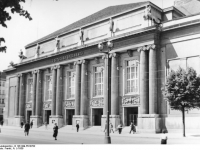 Bundesarchiv_B_145_Bild-P018782,_Berlin,_Deutsches_Opernhaus