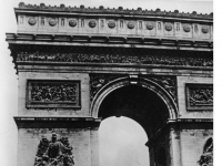 Bundesarchiv_Bild_101I-126-0347-09A,_Paris,_Deutsche_Truppen_am_Arc_de_Triomphe