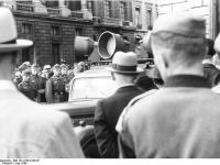 Bundesarchiv Bild 101I-768-0138-07 Paris Lautsprecherwagen