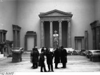 Bundesarchiv_Bild_102-00984,_Berlin,_Pergamon_Museum